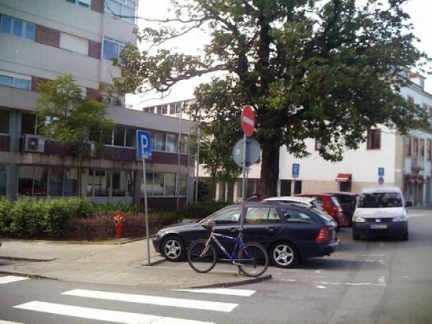 Estacionamento bici 004