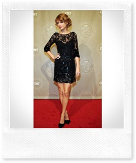 lacy_black_dress_Taylor Swift
