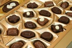 1372875_golden_chocolate