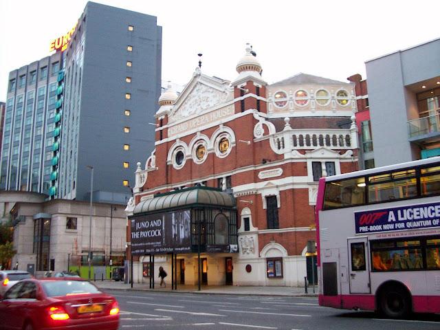 Hotel Europa a Belfastská Opera