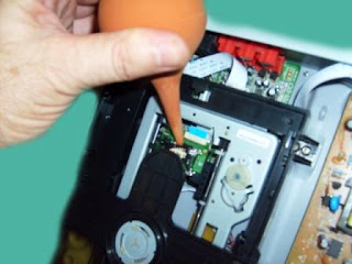 limpiar con aire unidad laser de dvd