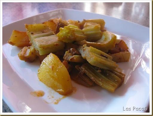 Cardos con patatas al pimentón