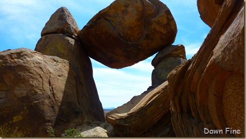 Grapevine to Balanced rock_048