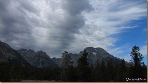 Drive in tetons_20090913_082