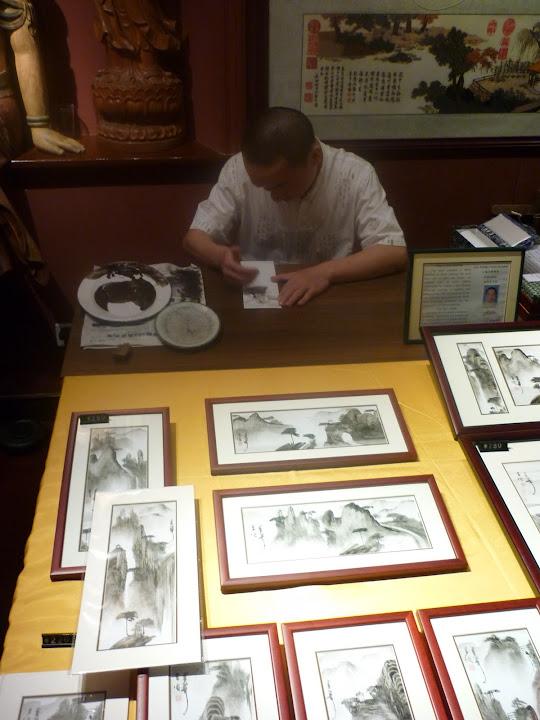 Chino pintando con las manos (original)