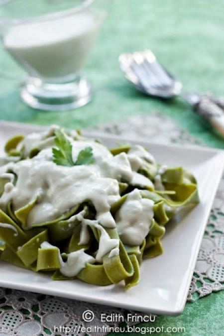 paste cu sos gorgonzola 1