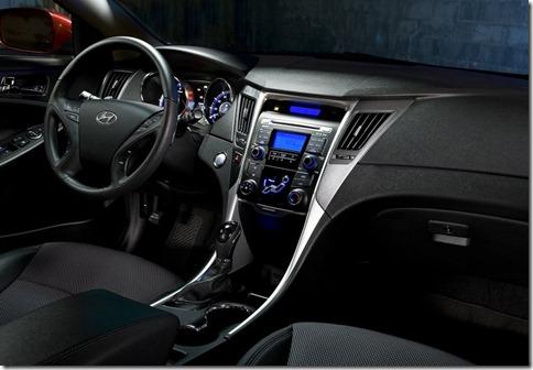 Hyundai-Sonata_2011_800x600_wallpaper_3a