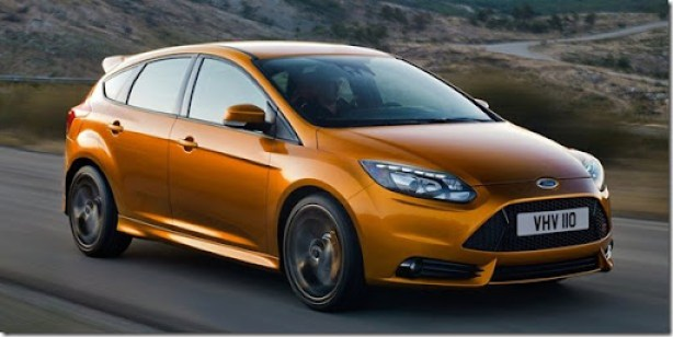 Ford-Focus_ST_2012_800x600_wallpaper_01