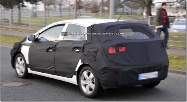 2012- Hyundai-i30-16