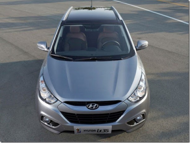2011-Hyundai-ix35-Front-Top-View-800x600