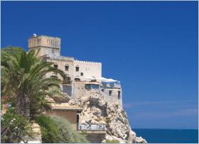 Sizilien - Santa Flavia - Ortsteil Solanto - Der Kern dieses kleinen Ortsteils ist ein Castello mit einer Tonnara. Beide sind heute Wohnanlagen