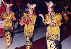 Lestarikan Seni Budaya Indonesia 7