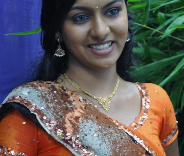 Actress Akshatha Hot Naval Show