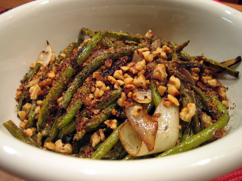 Another shot of the green beans with onions and walnuts