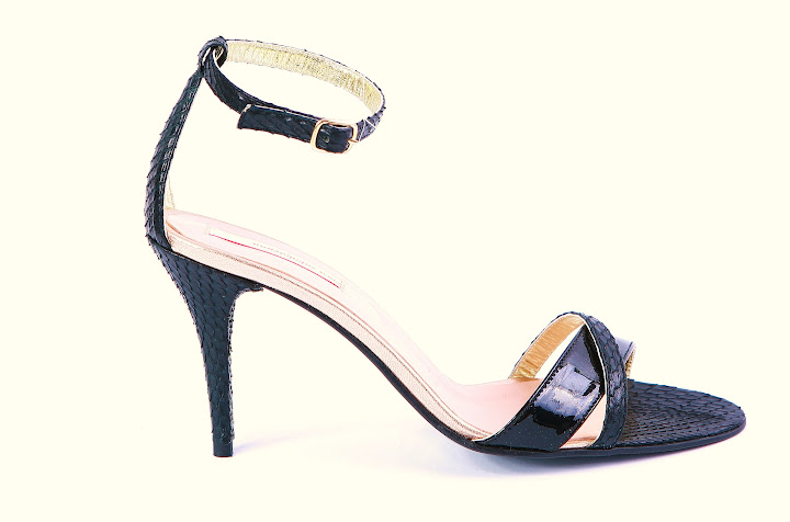 Sandale negre bretelute - Coca Zaboloteanu