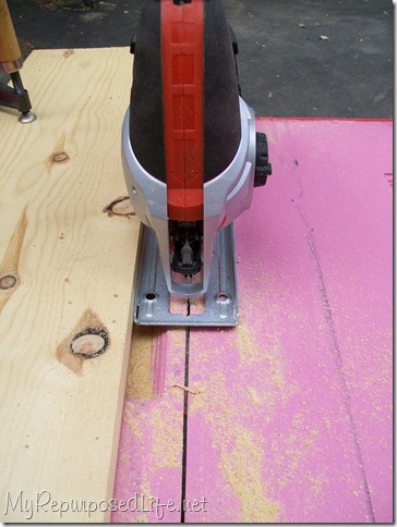 cutting a straight line with a jig saw