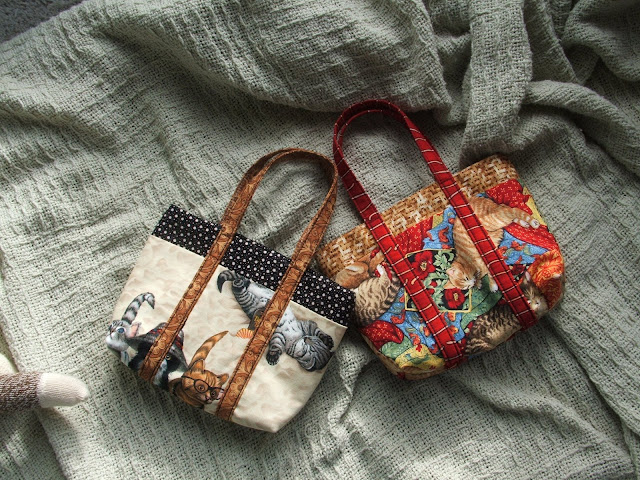 These purses for the twins were filled with tissues, keys, phone and a little furry friend.  The outsides fabric forms pockets all around...perfect for 2-year olds.