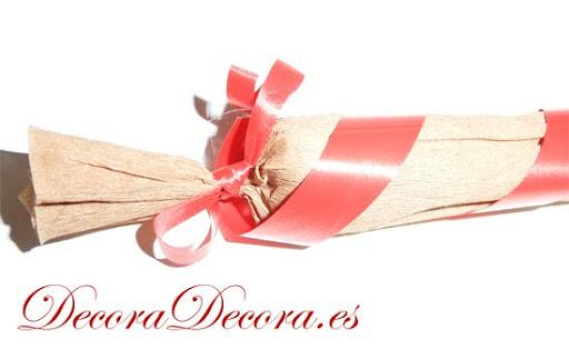 C mo envolver un regalo en forma de caramelo - Envolver libros de forma original ...