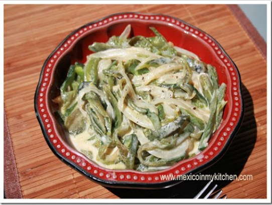 poblano peppers strips with cream | Authentic Mexican Recipes