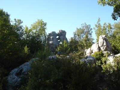 dans le bois de Paiolive, « l'ours et le lion »