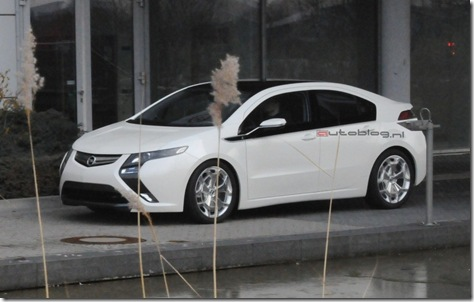 Opel_Ampera_spyshot6