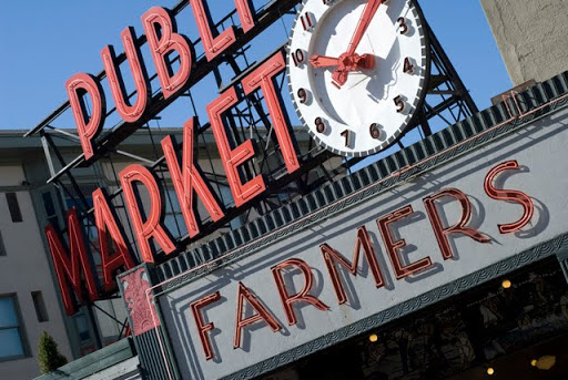 Pike Place market (c) Simon Lowthian