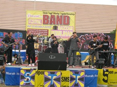 Grup Band G-Nuse Part II dari SMA Pintar  Meraih Grup Band Favorit Se-Riau dan SumBar2
