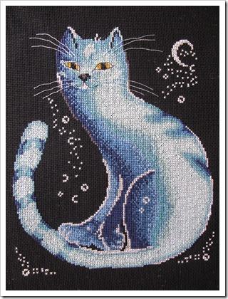 Вот она моя лунная радость - мой символ борьбы с долгостроями. Закончила 20 марта 2011