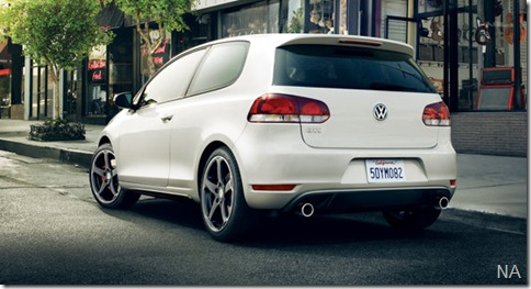 Volkswagen-Golf_GTI_US-Version_2010_800x600_wallpaper_05