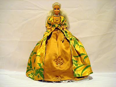кукла барби костюм абсолютизъм