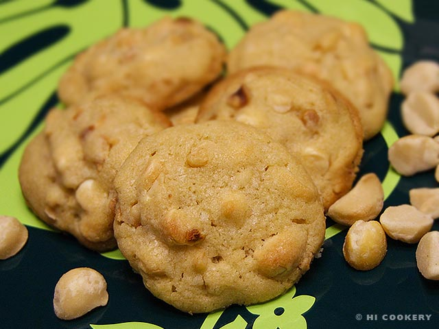 Macadamia Nut White Chocolate Chip Cookies