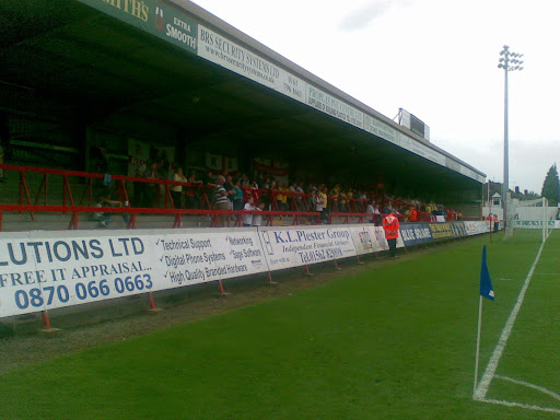 Rushden fans (+flags)