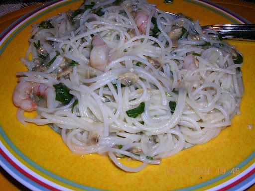 Spaghetti mit Krabben und Muscheln