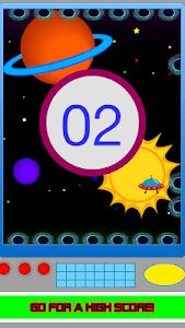 Avoid The Black Holes or Die! screenshot 4