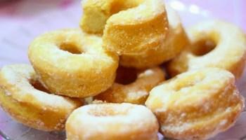kuih <i>donut</i>