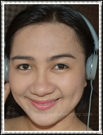 Mommy Jem wearing Urbanears