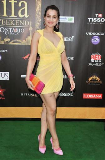 Akshara Haasan Body Size