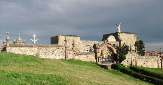 Resultado de imagen para fachada del cementerio de comillas