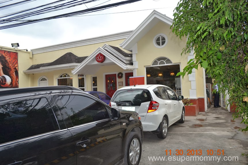Harina Artisan Bakery and Cafe Front View Parking