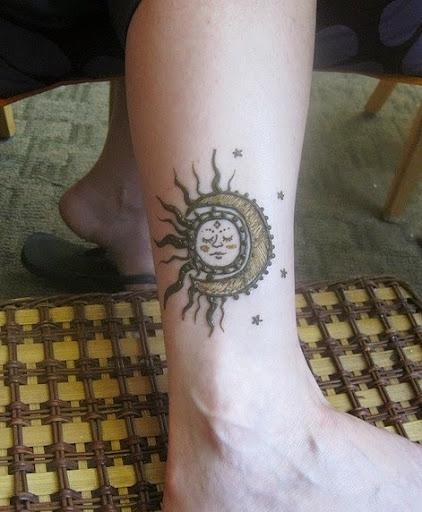 40 beautiful sun tattoo designs and ideas tattoos me. Black Bedroom Furniture Sets. Home Design Ideas