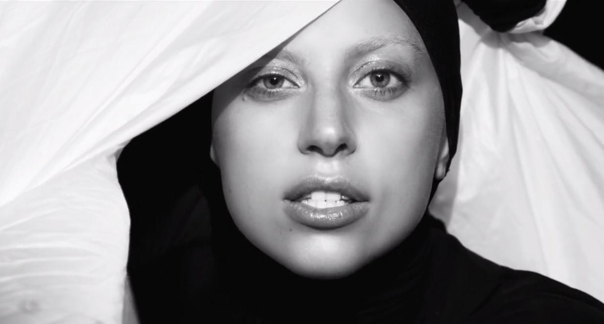 *猶如「維納斯的誕生」:Lady Gaga 即將重生於掌聲之中! 8