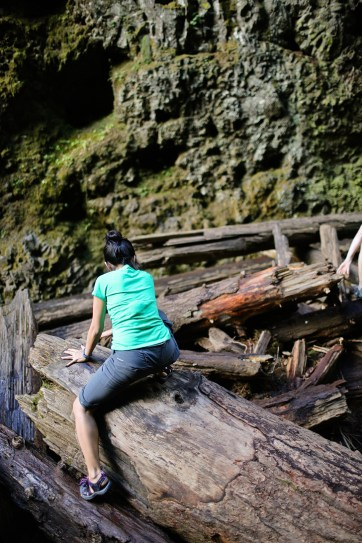 The Lower Oneonta Falls Hike | Hiking in Oregon.