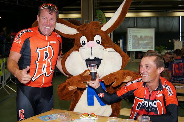 Bjorn Wyffels en WTC De Rodenbachdrinkers met de Nesquik-bunny
