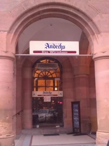 Bild vom Eingang des Andechser in Nürnberg