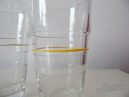 Decorar vasos con globos.