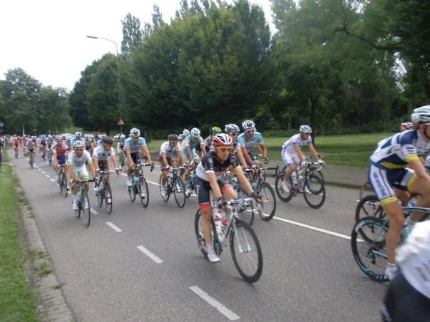 Het peloton van de Eneco Tour