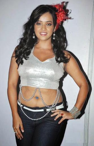 Tanu Roy Photos