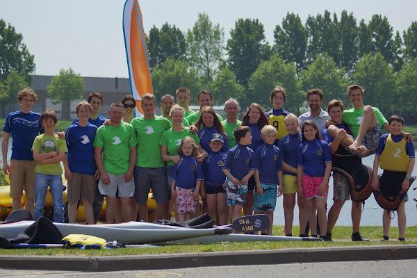 Groepsfoto Roeselaarse kajak vaarders - Watersportdagen Roeselare 2014