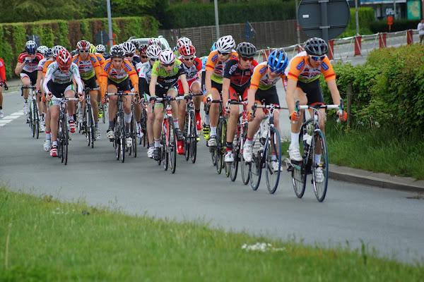 peleton nieuwelingen, 19e GP Hostekint voor nieuwelingen in Roeselare