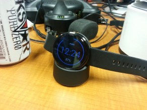 Moto360 Charging
